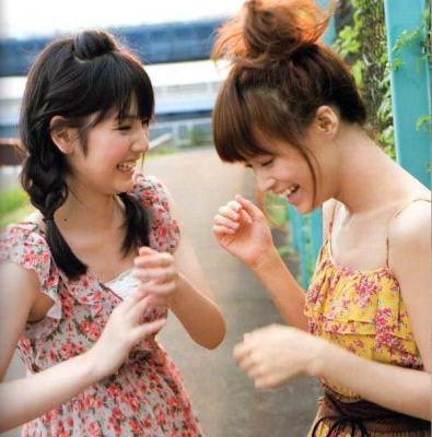 Michishige-Sayumi-Kamei-Eri-Magazine-141140